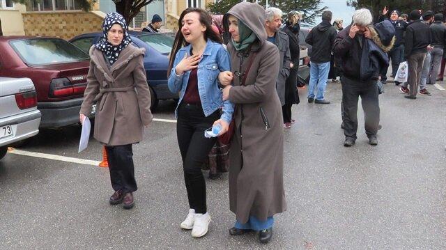 Son YGS'de sınava geç kalan öğrenciler okul önünde gözyaşları dökmüştü.