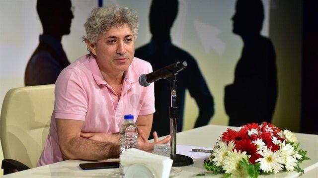 Türkiye'nin ilk yüz naklini yapan Prof. Dr. Ömer Özkan.