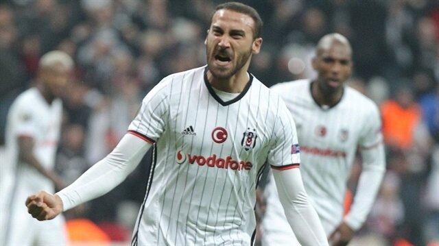 Cenk Tosun bu sezon Beşiktaş formasıyla çıktığı 9 resmi maçta 4 gol atarken 2 de asist kaydetti. Deneyimli oyuncu A Milli takım formasıyla ise 9 maçta 5 gol atma başarısı gösterdi.