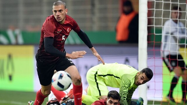 Futbol hayatını Portekiz'de sürdüren Merih Demiral, Sporting'in ikinci takımında forma giyiyor.