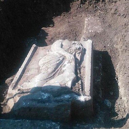 2 bin yıllık mezar kaçakçıların elinden alındı