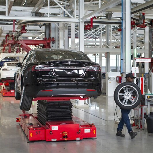 Model 3'ü geciktiren Tesla Motors yüzlerce çalışanı işten çıkardı