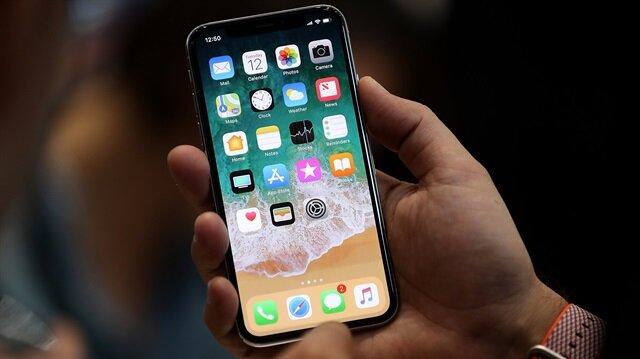 3 Kasım'da satışa sunulacak iPhone X, 64 ve 256 GB hafıza seçeneklerine sahip.