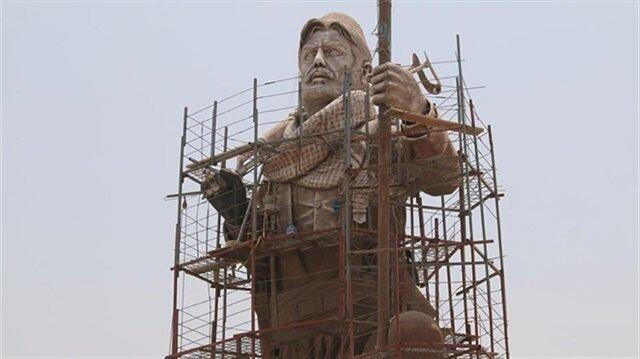 Iraqi army seizes Peshmerga statue in Kirkuk