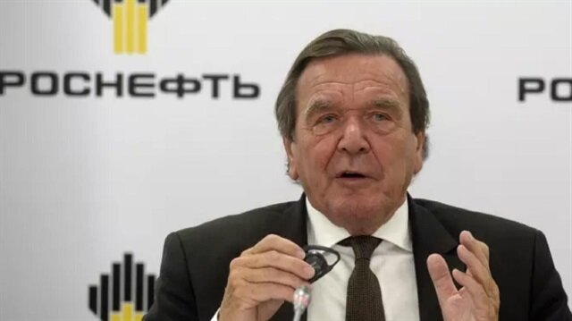 Former German leader warns of Turkish drift to China