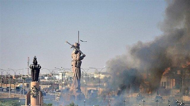 Iraqi forces set Peshmerga statue on fire in Kirkuk