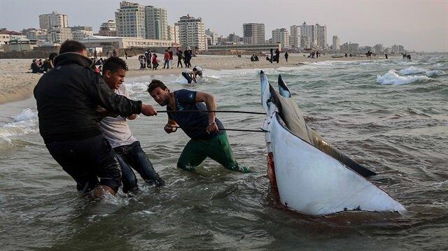 İsrail işgal ettiği Filistin sahillerine kısmi avlanma izin verdi
