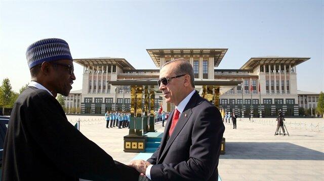 وسط مراسم رسمية.. أردوغان يستقبل نظيره النيجري في أنقرة