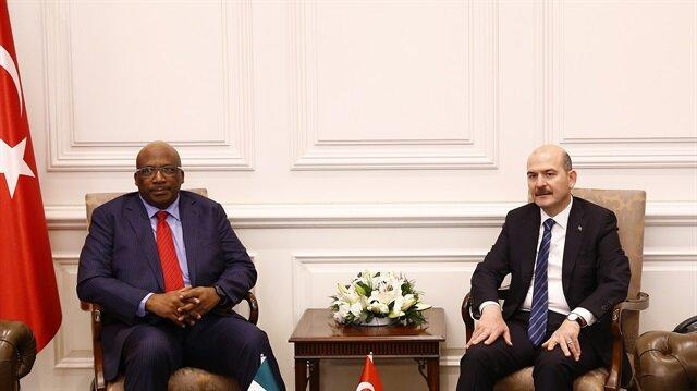 وزيرا الداخلية التركي والنيجيري يبحثان التعاون الأمني بين بلديهما