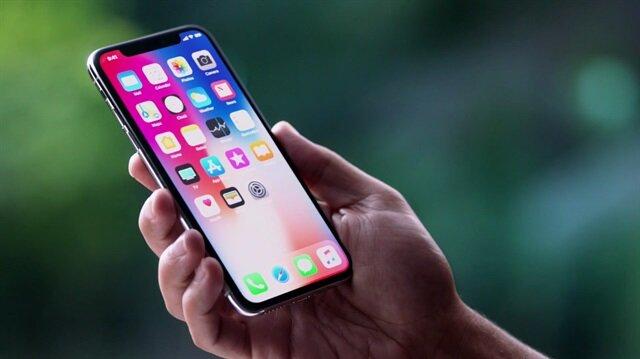 Apple, 2018 yılı içerisinde iPhone X cihazının özelliklerine sahip iki adet uygun model çıkarmayı planlıyor.