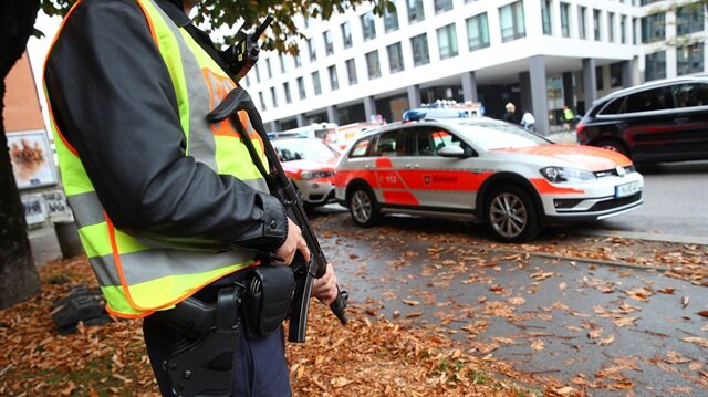 Knife attack in Munich leaves several injured