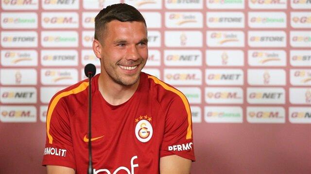 Podolski'den Volkan Demirel'li derbi paylaşımı