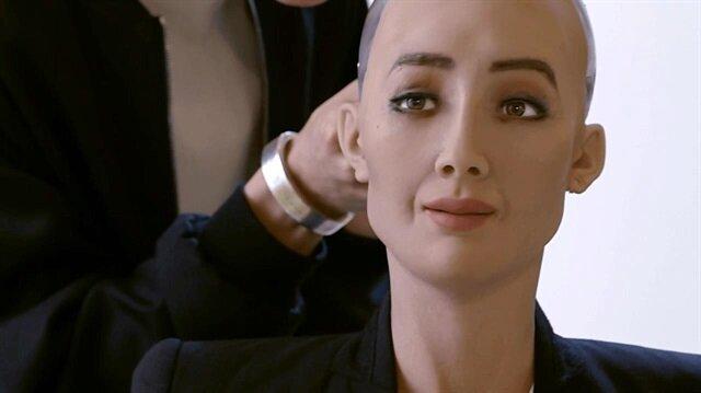 Suud'da bir ilk: Robota vatandaşlık