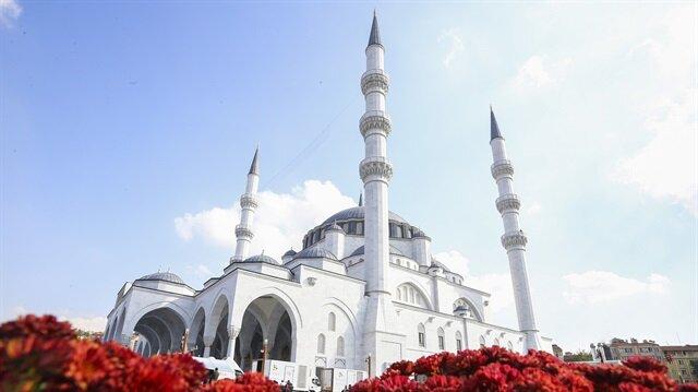 Melike Hatun Camisi'nin açılışı