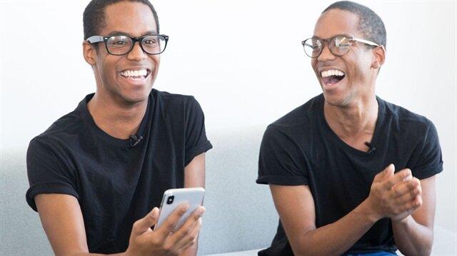 Face ID'yi test eden ikizler.