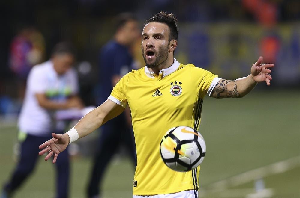 Fenerbahçe'nin Fransız yıldızı Valbuena, bu sezon sarı lacivertlilerin en etkili ismi olarak göze çarpıyor. 33 yaşındaki futbolcu, 11 lig maçında 3 gol attı, 4 de asist yaptı.