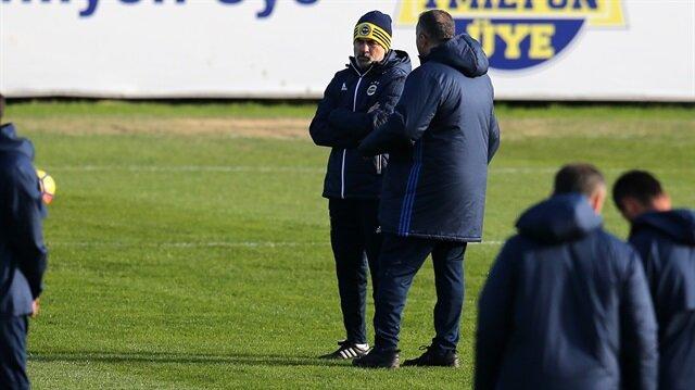 Fenerbahçe Teknik Direktörü Aykut Kocaman, Osmanlıspor maçının ardından istifa imasında bulunmuştu. Tecrübeli teknik adam, ikna çabalarının ardından takımın başında idmana çıktı.