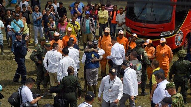 Kolombiya Devlet Başkanı  Santos, sel bölgesine gitti