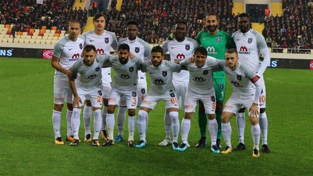 Medipol Başakşehir 11 haftanın sonunda Galatasaray'ın gerisinde ligde 2. sırada yer alıyor.