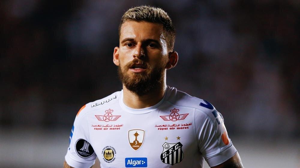 Santoslu Lucas Lima'nın sözleşmesi Aralık ayında sona eriyor.