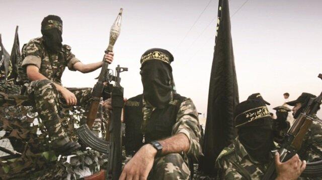 Hizbullah'ın muhtemel savaş için Suriye ve Irak'taki yaklaşık 25 bin militanı Lübnan'a çağırdığı belirtiliyor