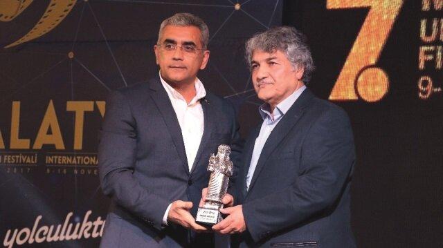 """""""Malatya Uluslararası Film Festivali"""" kırmızı halı geçişi ve açılış töreniyle başladı."""