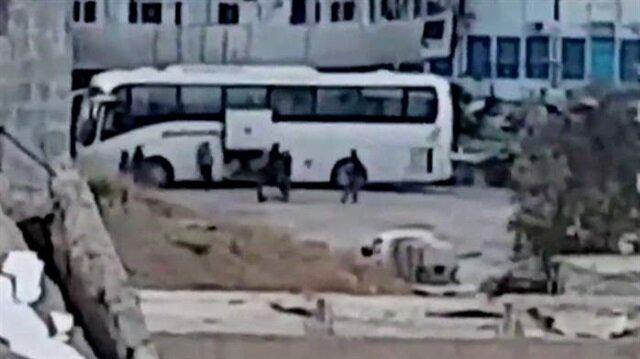 BBC, Rakka'dan tahliye edilen teröristlerin görüntüsünü kamuoyuyla paylaştı