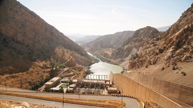 Yetkililer baraja yakın oturanlardan evlerini boşaltmasını istedi.