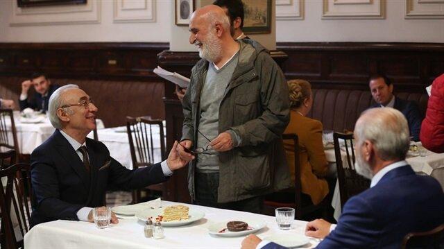 Şener Şen'in başrolünü oynadığı Yol Ayrımı'nı Yavuz Turgul yönetti.