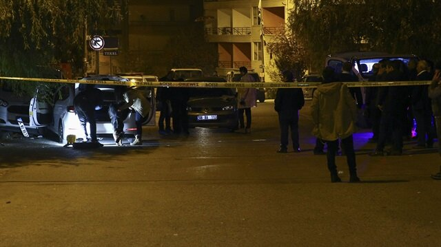 Polis ekipleri, olay yerinde incelemelerde bulundu.