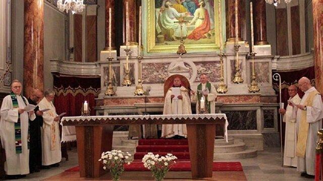 Vatikan'ın kararı İstanbul'daki cemaati harekete geçirdi.