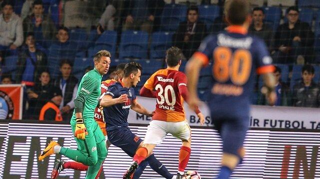 Süper Lig'in 12. haftasında Başakşehir ile Galatasaray karşı karşıya gelecek.