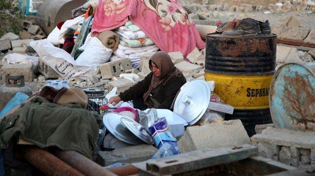 Bölgede yaklaşık 10 bin çadırın dağıtıldı.