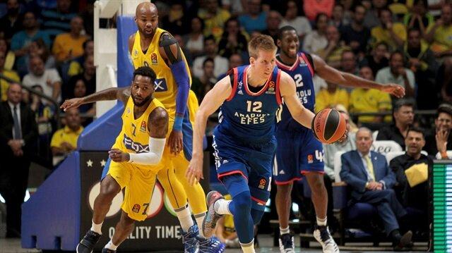 Anadolu Efes'ten Maccabi FOX'a 20 sayı fark
