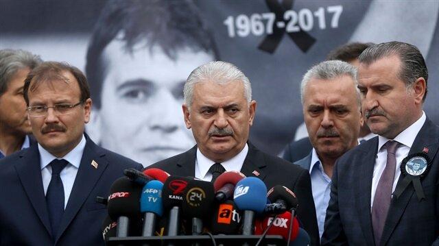 رئيس الوزراء يشارك في تشييع الرباع التركي