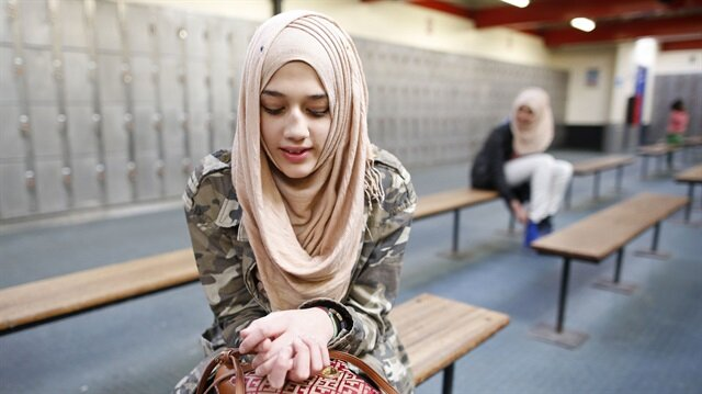 UK: Hijab-wearing primary girls to be questioned