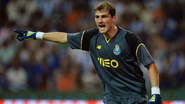 Casillas Pepe'yi paylaştı Adriano'ya şans diledi
