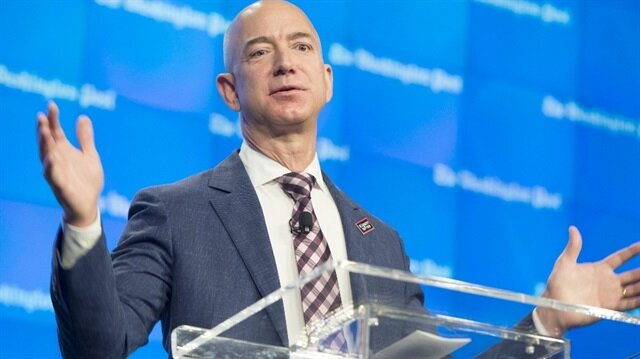 Black Friday Moves Amazon Founder Into $100 Billion Club