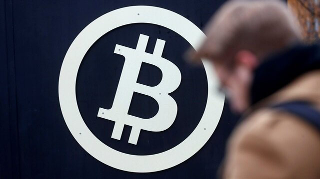 Bitcoin frenzy drives coinbase App to No