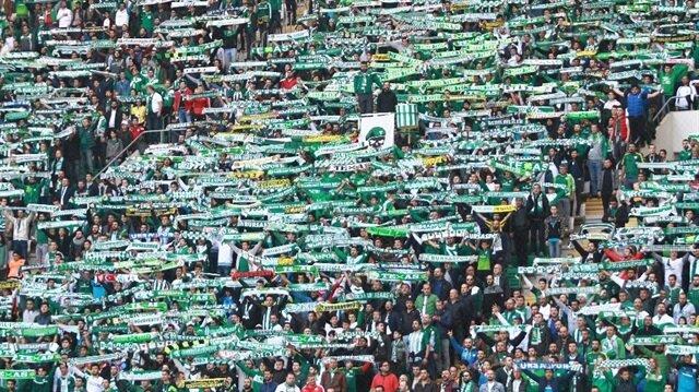 Bursaspor taraftarı 14. hafta itibarıyla 21 bin 625 seyirci ortalaması yakaladı