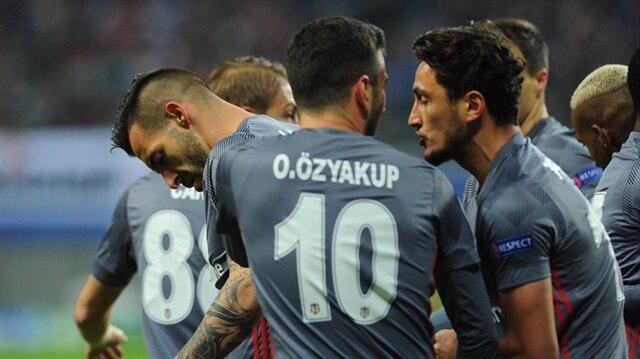 Beşiktaşlı futbolcuların gol sevinci.