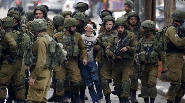 Palestinian boy becomes symbol of Jerusalem protests
