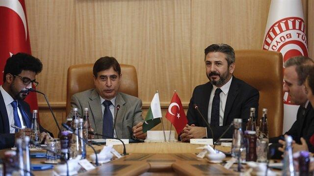 We support Kashmir Muslims: Turkish parliament official
