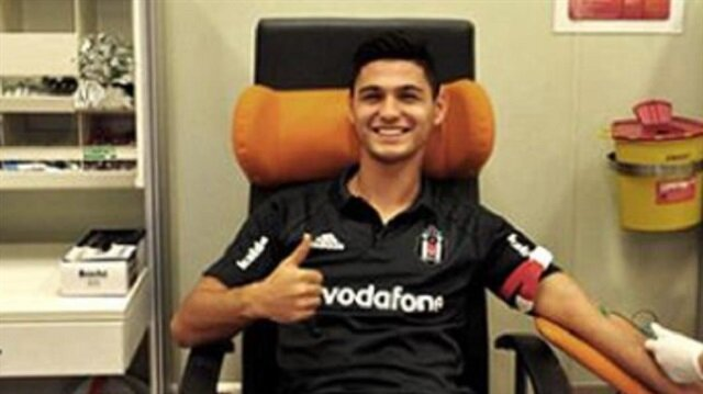 Beşiktaş'ta 4 isme profesyonel sözleşme
