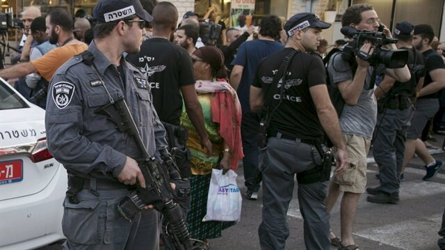 Israel arrests senior Hamas leader in W. Bank raid