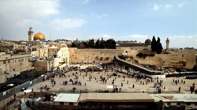 Jewish settlers enter Al-Aqsa in force for Hanukkah