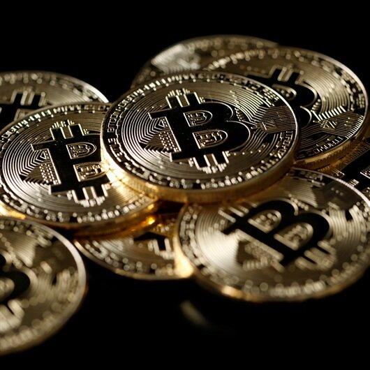 Bitcoin yüzde 18,5 değer kaybederek 12 bin doların altına düştü