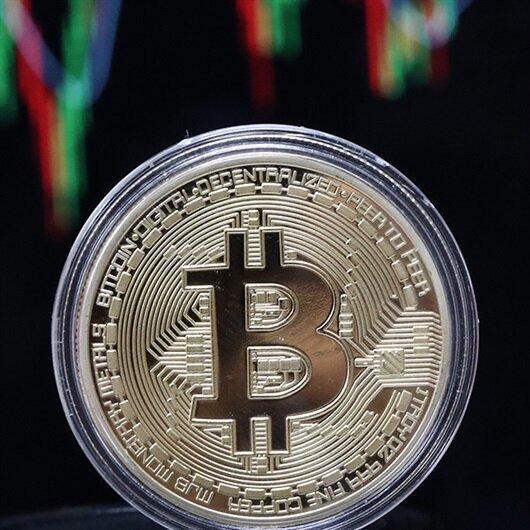 Bitcoin tepetaklak oldu