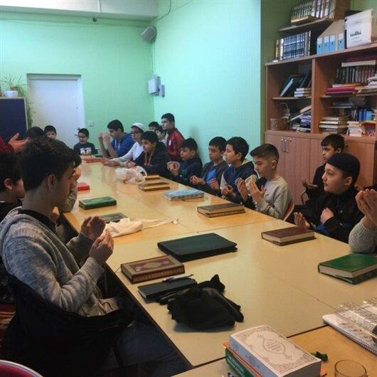 İsveç'teki gurbetçi çocuklar Türk askeri için dua etti