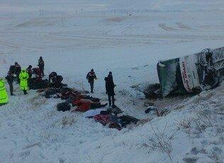 Kayseri''de korkunç kaza: 21 ölü